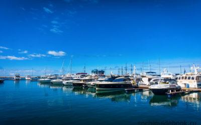 Фото Морского порта города Сочи. Пристань для яхт.