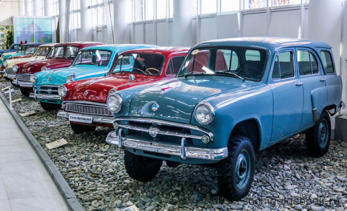 Музей ретро-автомобилей в Олимпийском парке.